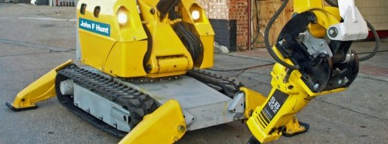 BROKK 330 ROBOTIC DEMOLITION MACHINE
